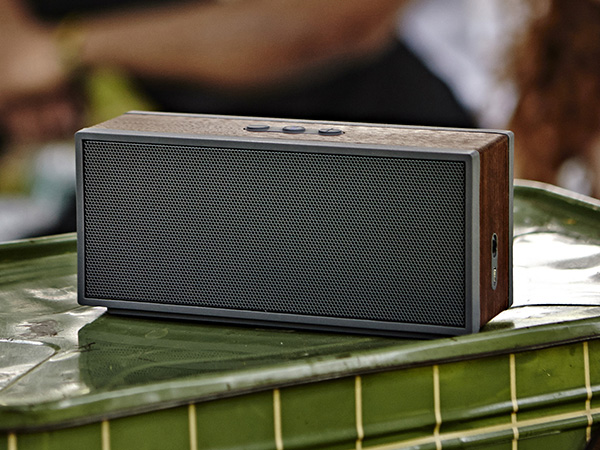 wireless-portable-speakers-classic-style-raqwe.com-02