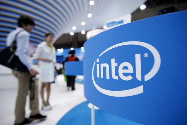 bloomberg-intel-sell-online-tv-service-500-million-raqwe.com-01