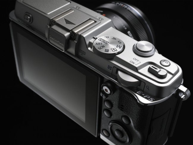 review-mirrorless-camera-olympus-pen-e-p5-raqwe.com-05