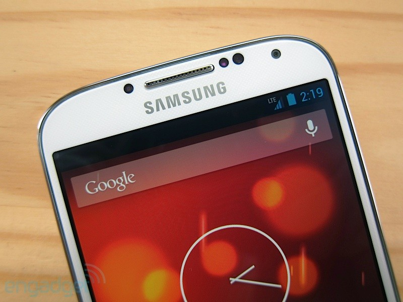 samsung-galaxy-s4-google-edition-receive-update-android-4-4-kitkat-raqwe.com-01