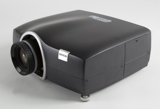 barco-f50-dlp-projector-high-frame-rate-raqwe.com-01