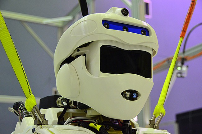 nasa-experts-created-humanoid-robot-valkyrie-designed-competition-raqwe.com-01