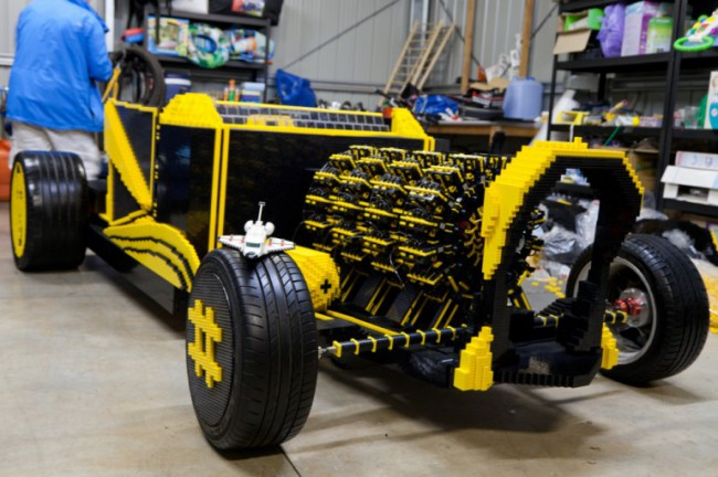 worlds-car-designed-blocks-lego-raqwe.com-01