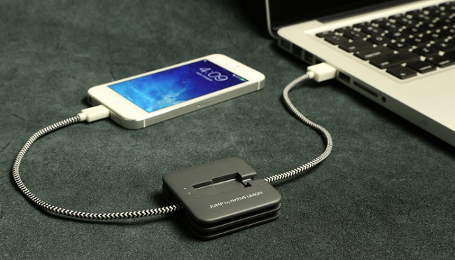 jump-iphone-charging-cable-raqwe.com-01