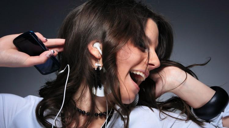 listen-music-smartphones-raqwe.com-01