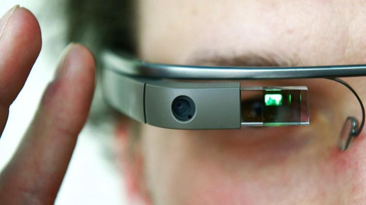 What is the main problem lies Google Glass?