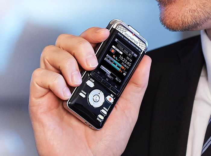 Olympus Dm 901 Digital Voice Recorder With 2 Inch Wi Fi