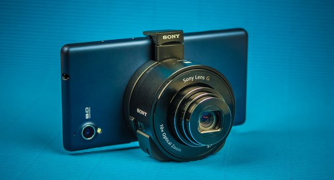 Sony DSC-QX10: once again about zooms in smartphones, marketing and wasted funds spent