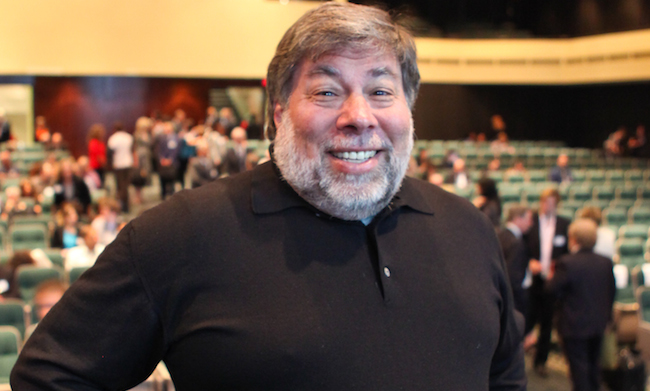 steve-wozniak-sings-praises-chinese-apple-raqwe.com-01