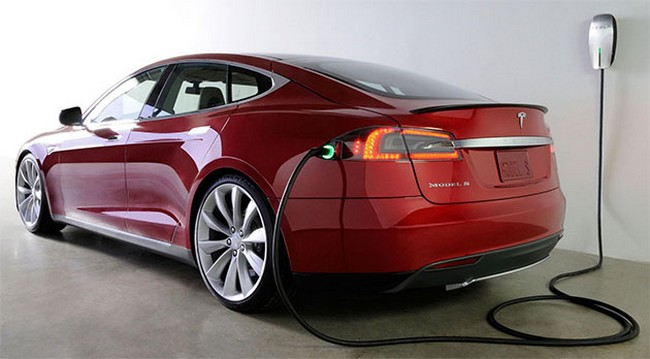 tesla-motors-distribute-free-charge-owners-model-improved-adapters-charging-raqwe.com-01
