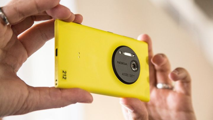 microsoft-changing-iphone-lumia-raqwe.com-01