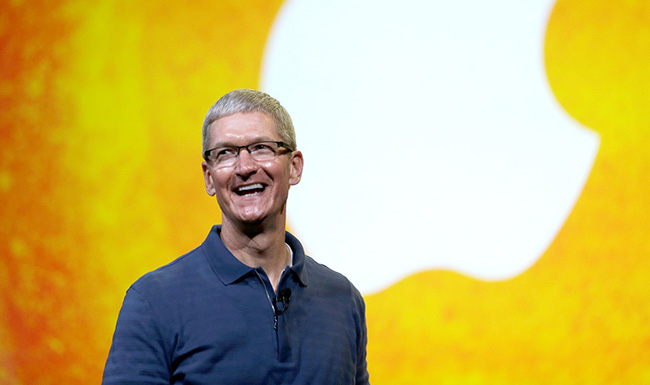 Tim-Cook-at-iPad-announcement-raqwe.com-01