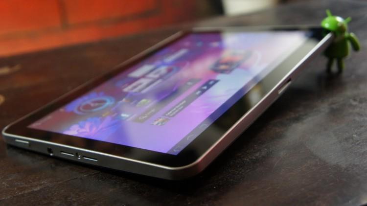 android-tablets-horseback-raqwe.com-01