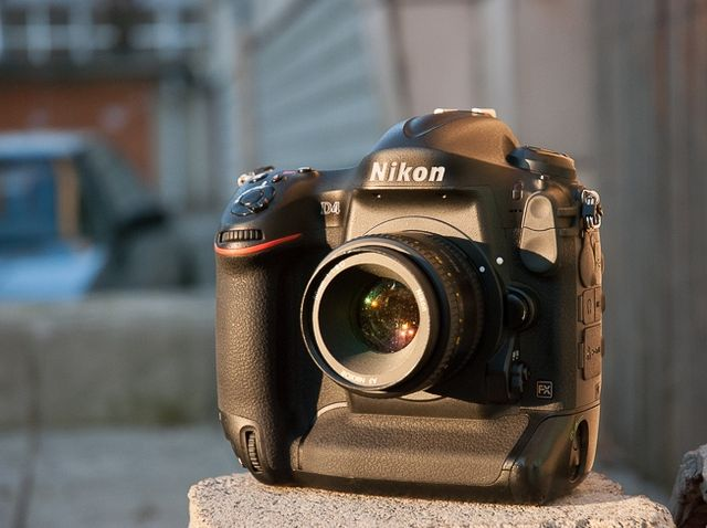 Review of Nikon D4. Reportage camera for those who want a trouble-free working tool