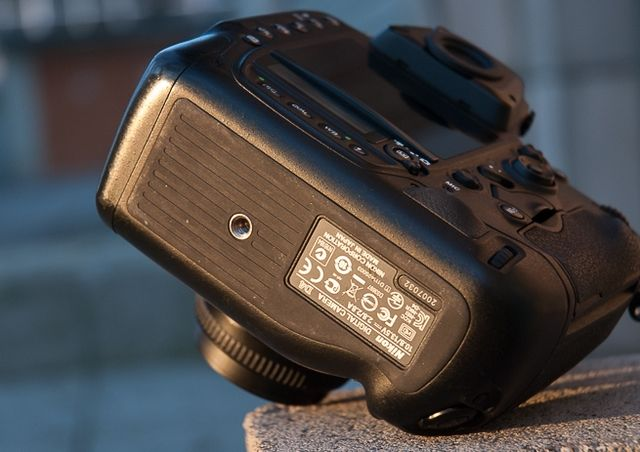 review-nikon-d4-reportage-camera-trouble-free-working-tool-raqwe.com-06