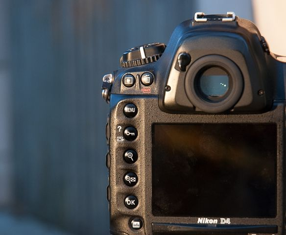 review-nikon-d4-reportage-camera-trouble-free-working-tool-raqwe.com-12