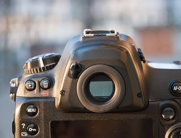 review-nikon-d4-reportage-camera-trouble-free-working-tool-raqwe.com-13