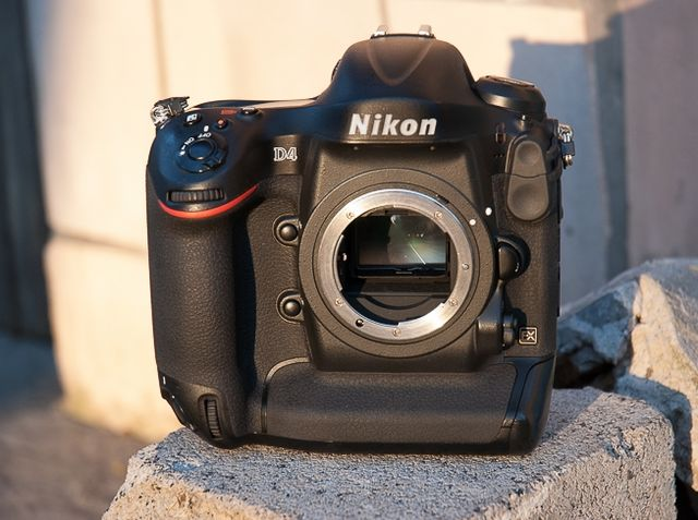 review-nikon-d4-reportage-camera-trouble-free-working-tool-raqwe.com-18