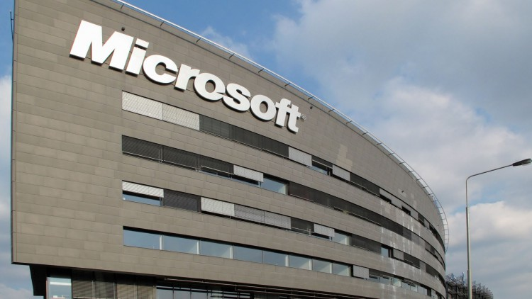 microsoft-plans-break-autonomy-mobile-devices-raqwe.com-02