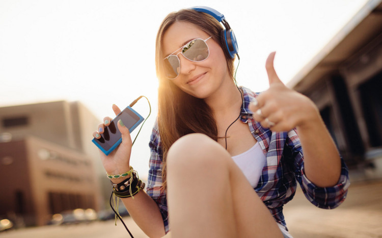 music-million-google-buys-streaming-service-songza-raqwe.com-01