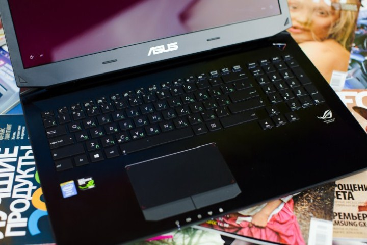 review-laptop-asus-g750-raqwe.com-03