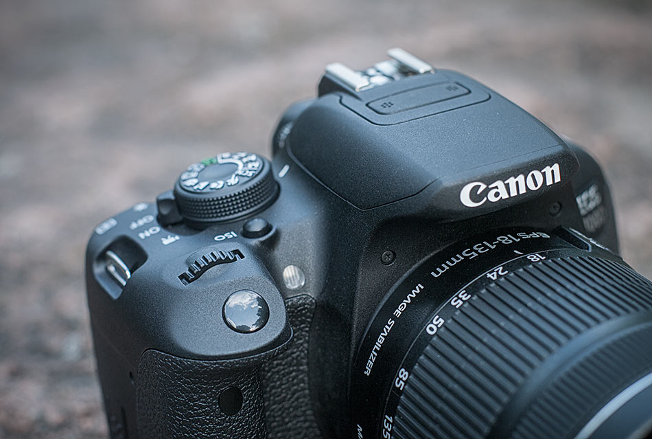 review-slr-camera-canon-eos-700d-raqwe.com-08