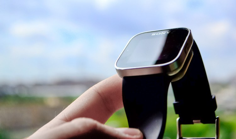 Review: SmartWatches Sony SmartWatch MN2