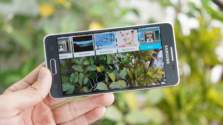 5 main features of Samsung Galaxy Alpha
