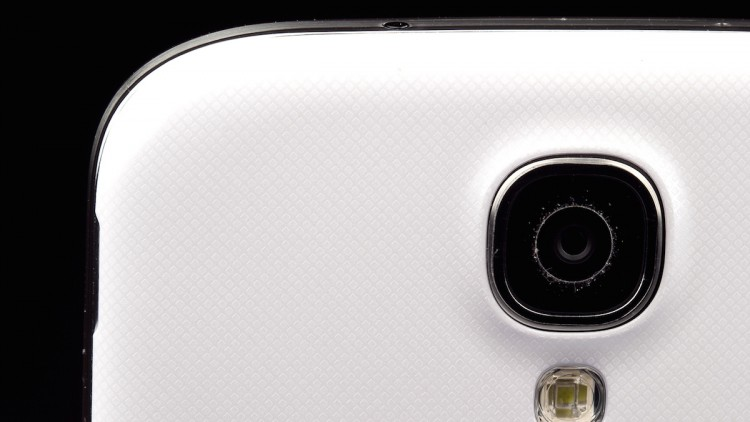 Squeeze out of your smartphone camera still