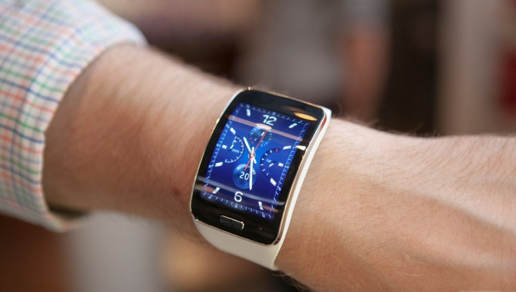 Samsung Gear S is working on a competitor to Apple Pay