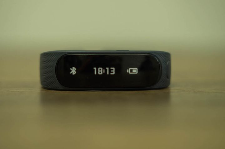 Huawei TalkBand B1 review bracelet headset