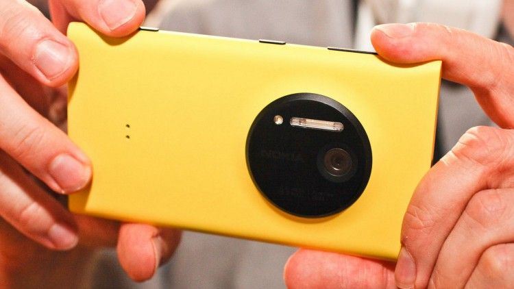 Top smartphones with the most unusual cameras