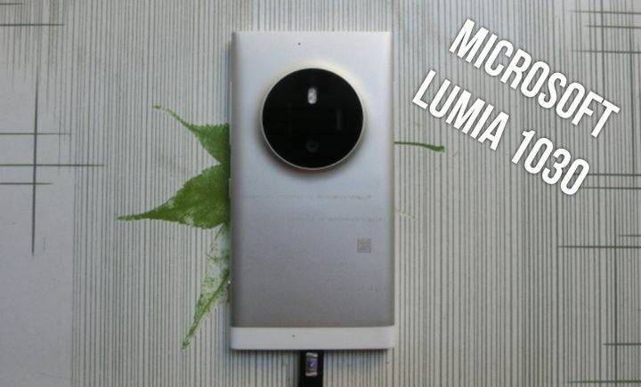 Microsoft Lumia 1030 smartphone with 50 MP cameras