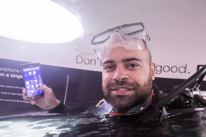 Opened its first selling store Sony underwater smartphones