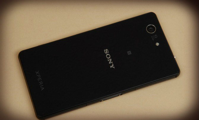 Small flagship Sony Xperia Z3 Compact review