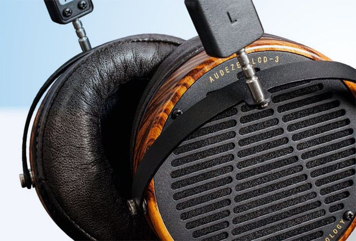 Review headphones Audeze LCD-3: Listen to music for hours