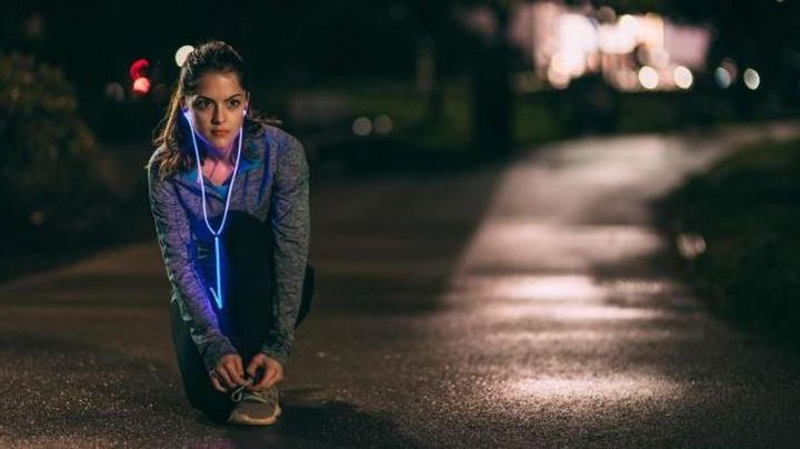 New Glowing headphones Glow pulsate to the music