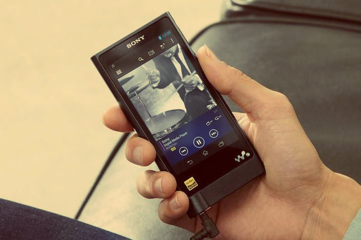 CES 2015. Sony Walkman ZX2 - Player on Android for $ 1,100