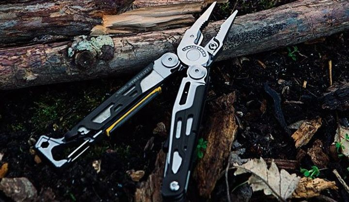 Leatherman Signal - modern multitool for survival
