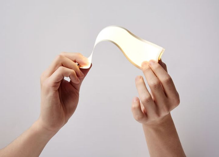 "LG will release mass produced ""really"" flexible displa"
