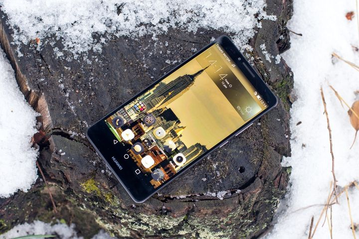 "Review Huawei Mate7 - thin 6-inch ""survivor"""