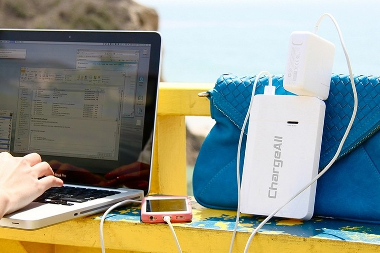 ChargeAll: new portable battery with sockets for laptops
