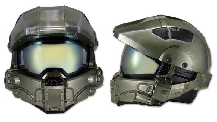 Hello, Master Chief: new motorcycle helmet in the style of Halo