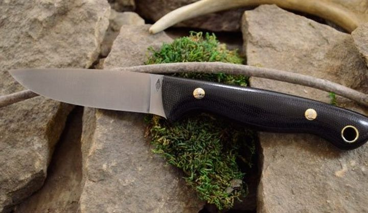 Modern Knife for hunting and BushKrafta BHK Black Water