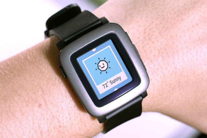 The modern Smart Watch Pebble scored a record sum for a few minutes
