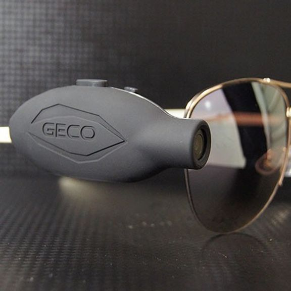 New tiny and ultra-light camera action Geco 1080 is attached directly to the sunglasses
