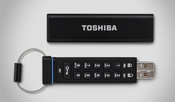 TOSHIBA has unveiled a modern USB flash drive with combination lock