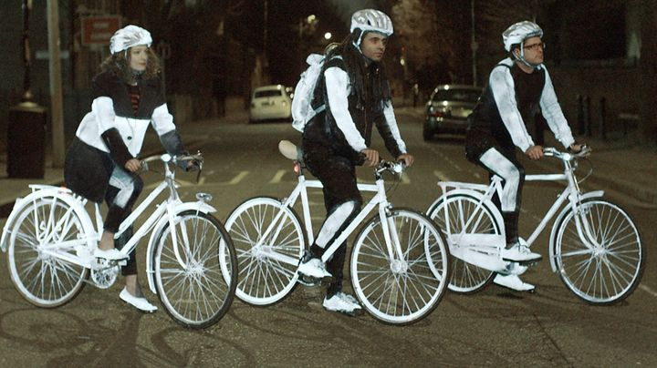 LifePaint - reflective spray for cyclists