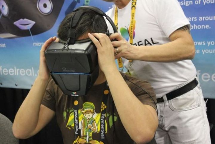 Company Feelreal adds odors in new virtual reality