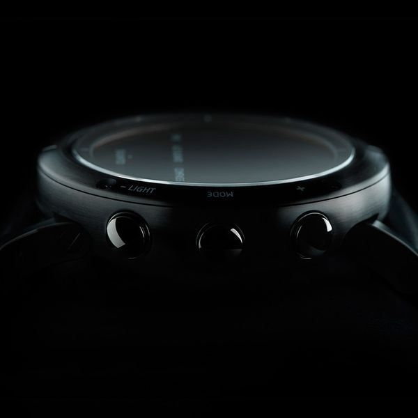 Durable watches with sensors Suunto Essential